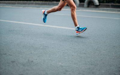 Lopers met een 'slimme pil' en 'hartslagsticker' bij Marathon Eindhoven